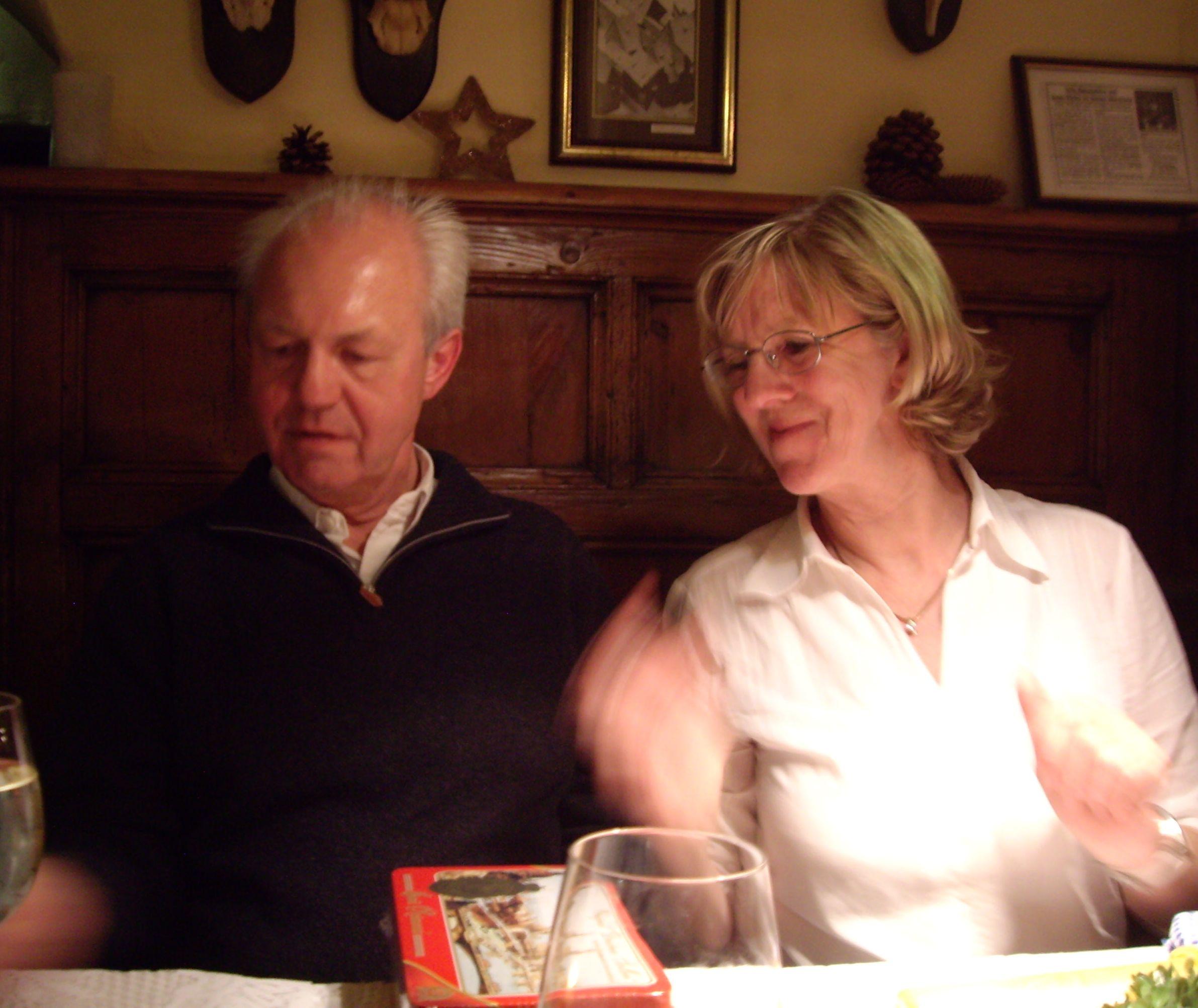Gemeinsam den Sonnuntergang genießen. Für viele ältere Menschen ist ...